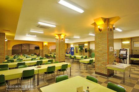 オシャレな地下の食堂