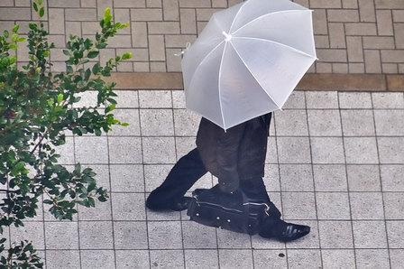 弱い雨の神戸旧居留地