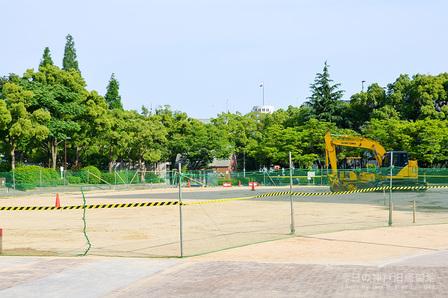 東遊園地芝生化